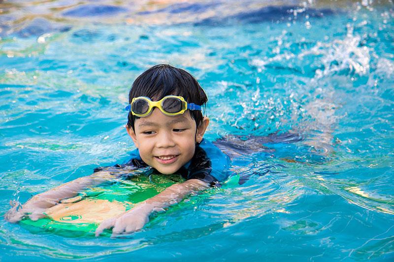 Schwimmschule_Wellenreiter_Schwimmkurse.jpg